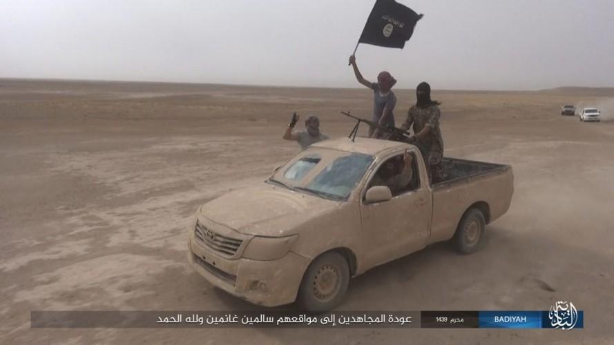 Anh: Khung bo IS tan cong du doi quan doi Iraq-Hinh-9