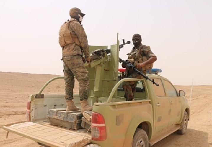 Anh: Iraq giai phong vung trong yeu gan bien gioi voi Syria-Hinh-10