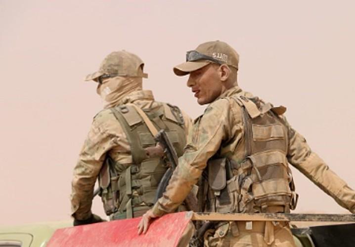 Anh: Iraq giai phong vung trong yeu gan bien gioi voi Syria-Hinh-8