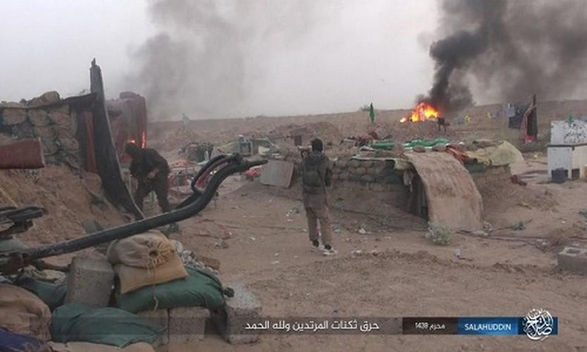Anh: IS tan cong ac liet, dot trai cua quan doi Iraq-Hinh-8
