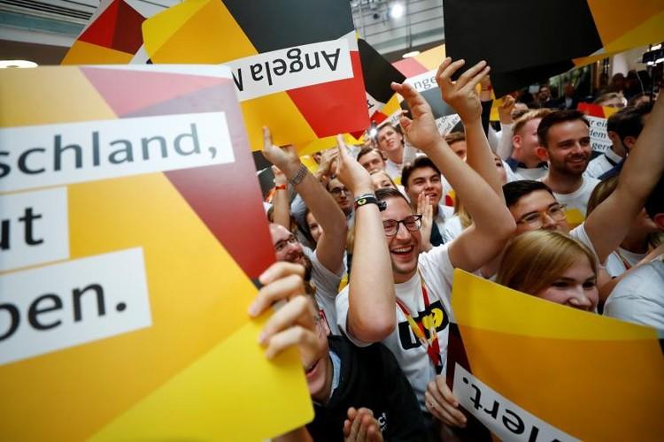 Anh: Thu tuong Merkel thang loi dang cay trong bau cu Duc-Hinh-15