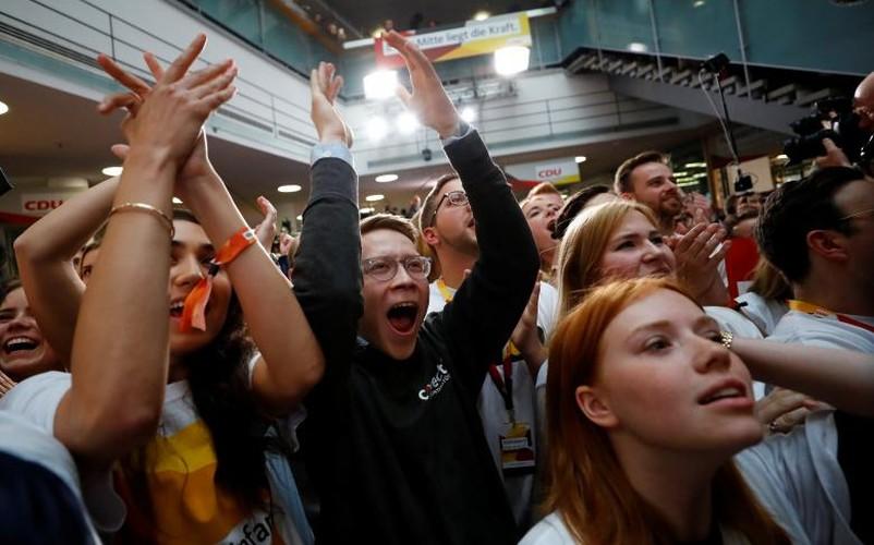 Anh: Thu tuong Merkel thang loi dang cay trong bau cu Duc-Hinh-3