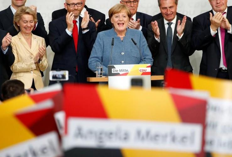 Anh: Thu tuong Merkel thang loi dang cay trong bau cu Duc-Hinh-6
