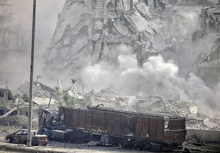 Anh: Quan Syria tan cong du doi khung bo o Dong Damascus-Hinh-2
