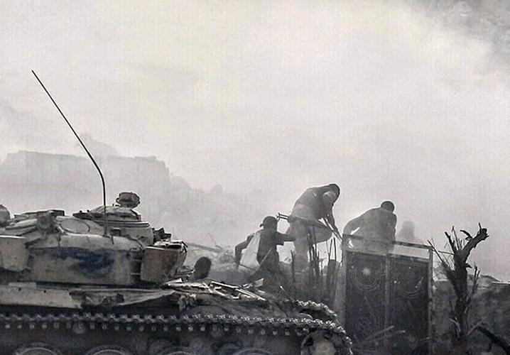 Anh: Quan doi Syria lai thang lon o Dong Damascus-Hinh-5