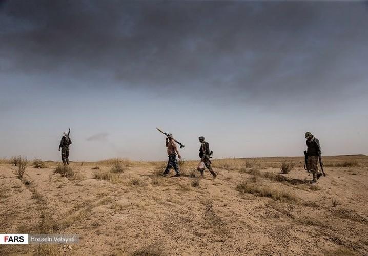 Anh: Mot ngay, quan doi Iraq diet 200 phien quan IS o Hawija-Hinh-10