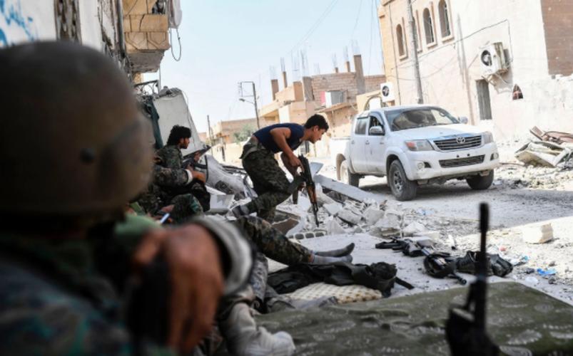 Anh: SDF don suc diet sach phien quan IS o Raqqa-Hinh-3