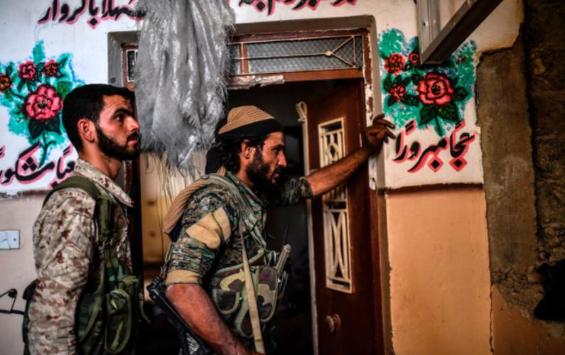 Anh: SDF don suc diet sach phien quan IS o Raqqa-Hinh-9