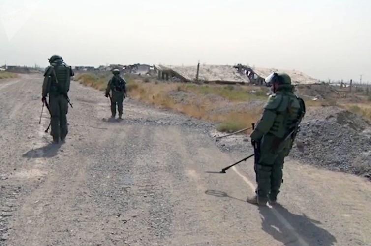 Can canh cong binh Nga ra pha bom min o Deir Ezzor-Hinh-2