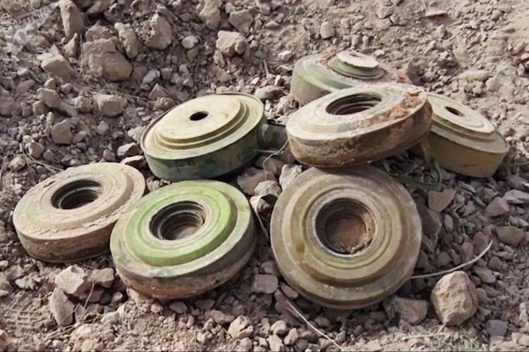 Can canh cong binh Nga ra pha bom min o Deir Ezzor-Hinh-5