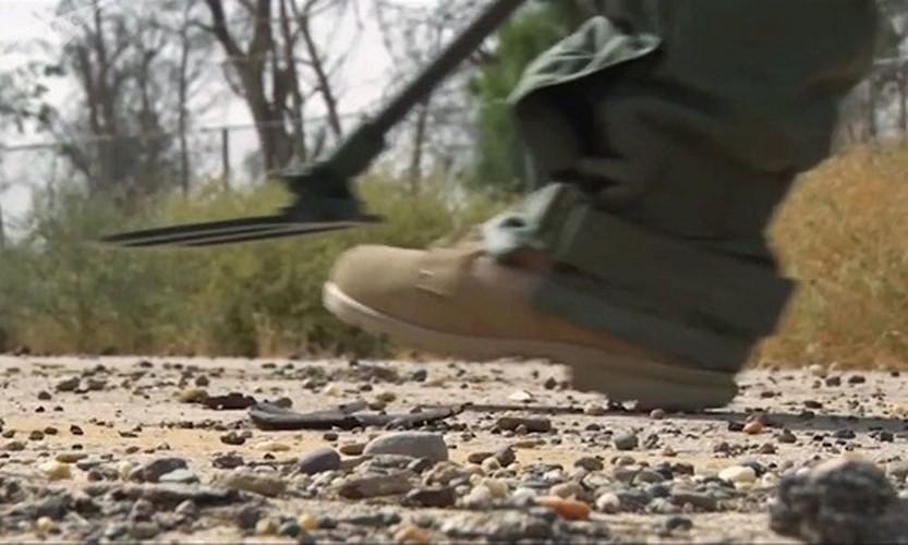 Can canh cong binh Nga ra pha bom min o Deir Ezzor-Hinh-6