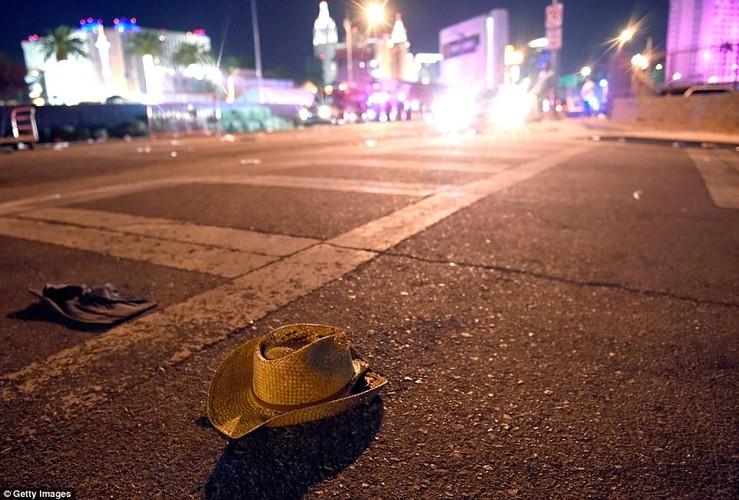 Hien truong xa sung o Las Vegas, hon 120 nguoi thuong vong-Hinh-13