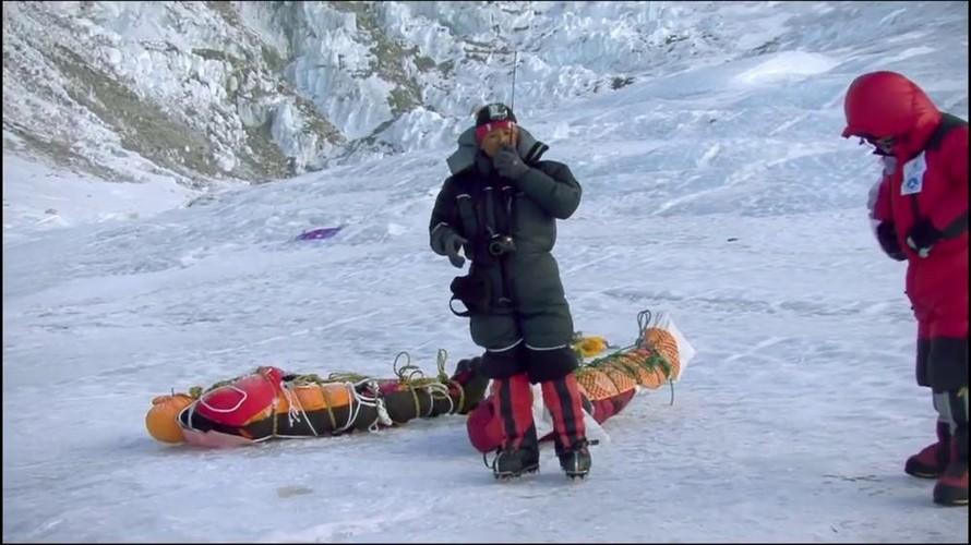 Su that gay soc ve hanh trinh chinh phuc dinh Everest-Hinh-8