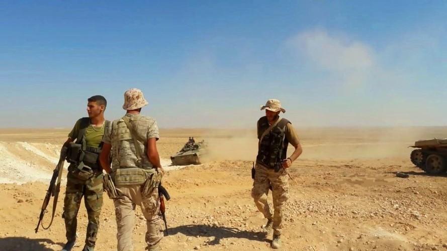Anh: Quan doi Syria o at tan cong thanh pho Mayadin-Hinh-2