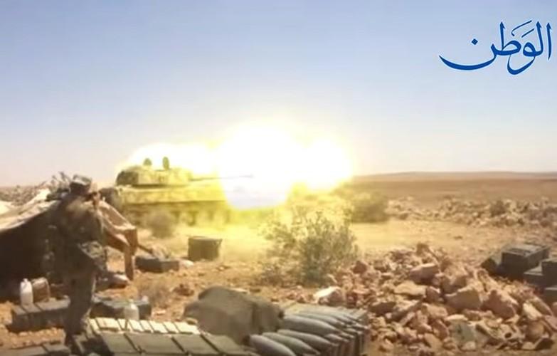 Anh: Quan doi Syria o at tan cong thanh pho Mayadin-Hinh-4