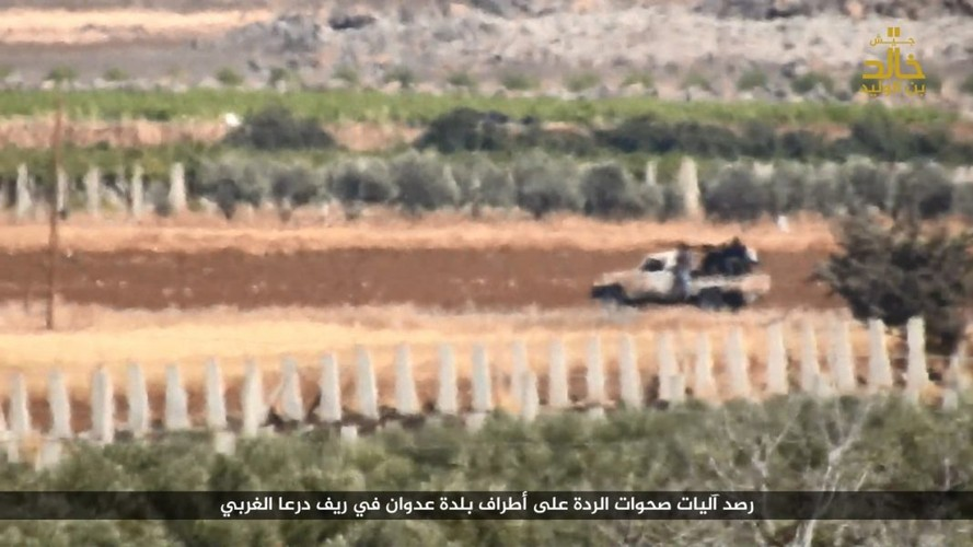 Anh: Phien quan IS danh nhau voi FSA o Cao nguyen Golan-Hinh-9