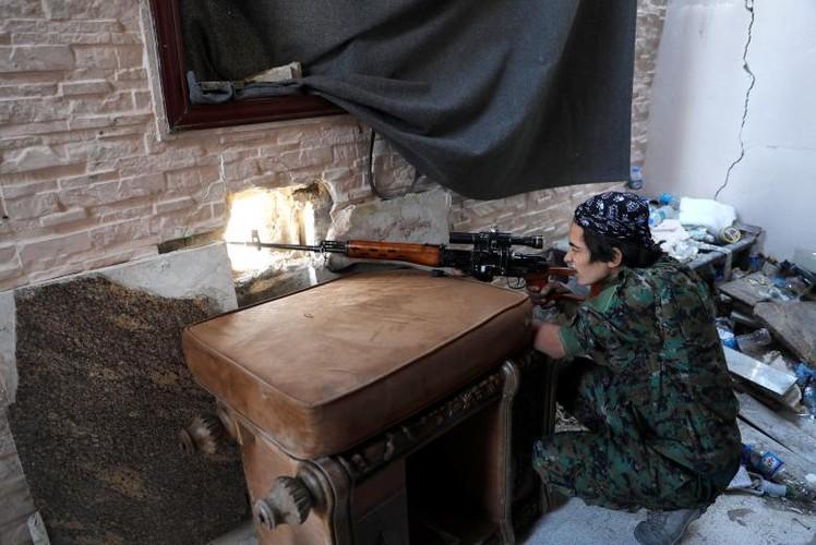 Anh: SDF sap giai phong hoan toan thanh pho Raqqa-Hinh-4
