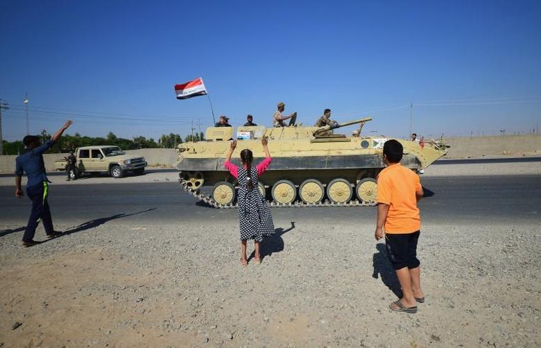 Toan canh quan doi Iraq danh chiem Kirkuk tu tay nguoi Kurd-Hinh-9