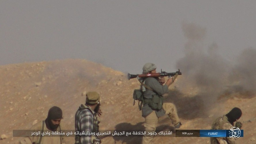 Anh: IS phan cong du doi quan Syria o Nam Deir Ezzor-Hinh-11