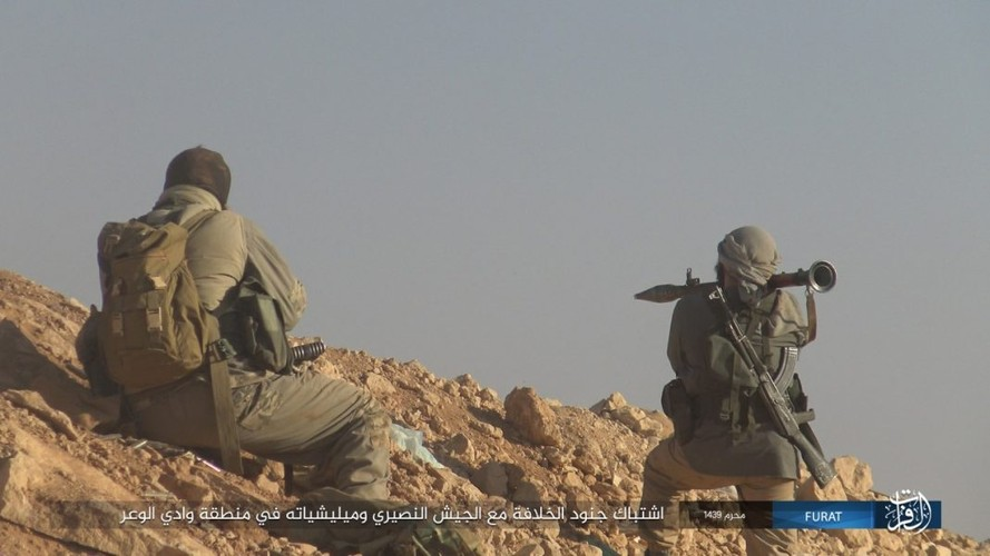 Anh: IS phan cong du doi quan Syria o Nam Deir Ezzor-Hinh-5