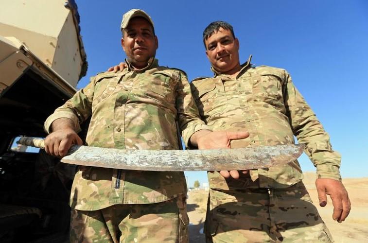Hai hung nhung thu phien quan IS bo lai o Syria-Iraq-Hinh-3