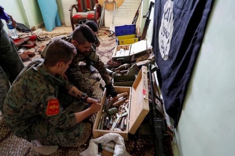 Hai hung nhung thu phien quan IS bo lai o Syria-Iraq-Hinh-6