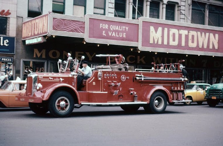 Muon mau cuoc song o New York cuoi thap nien 1950