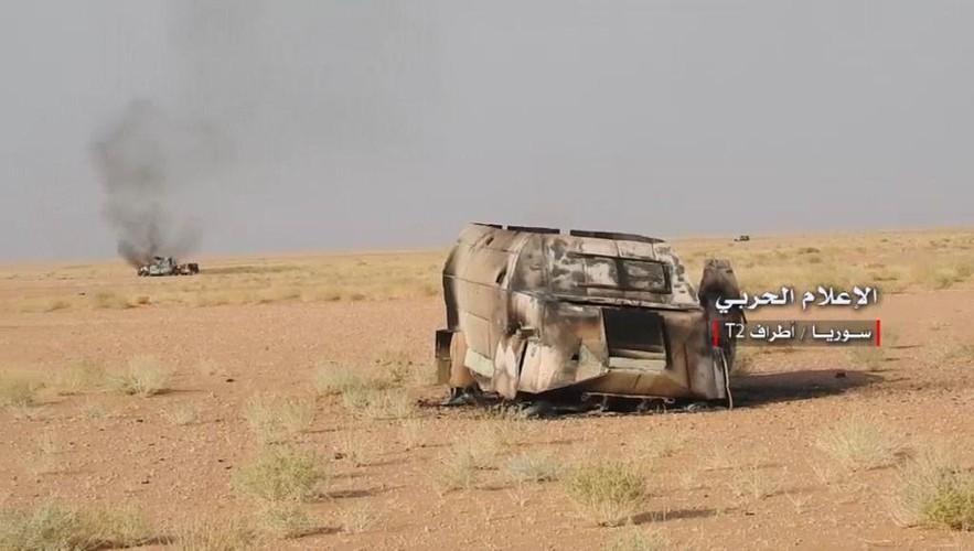 Anh: Tan cong du doi, Quan doi Syria quyet danh chiem tram T-2-Hinh-10