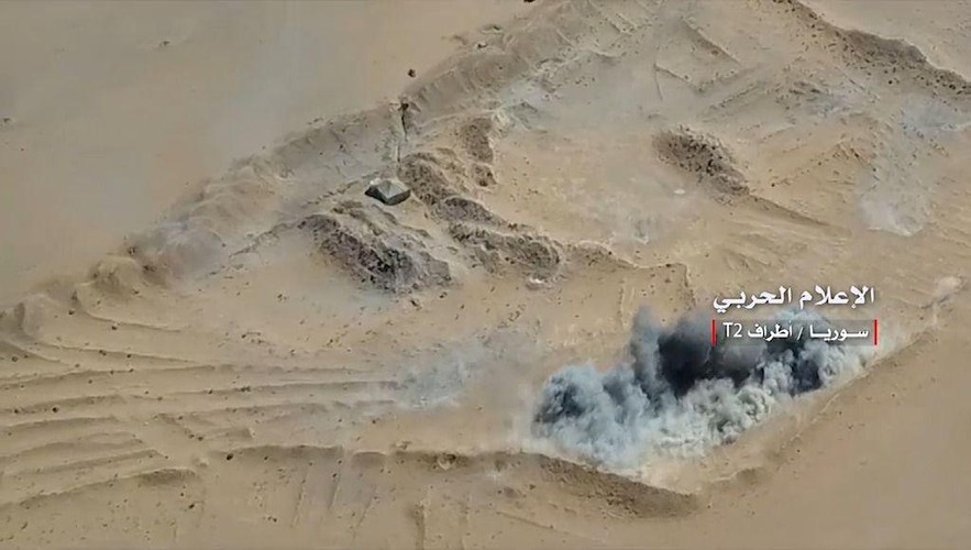 Anh: Tan cong du doi, Quan doi Syria quyet danh chiem tram T-2-Hinh-3