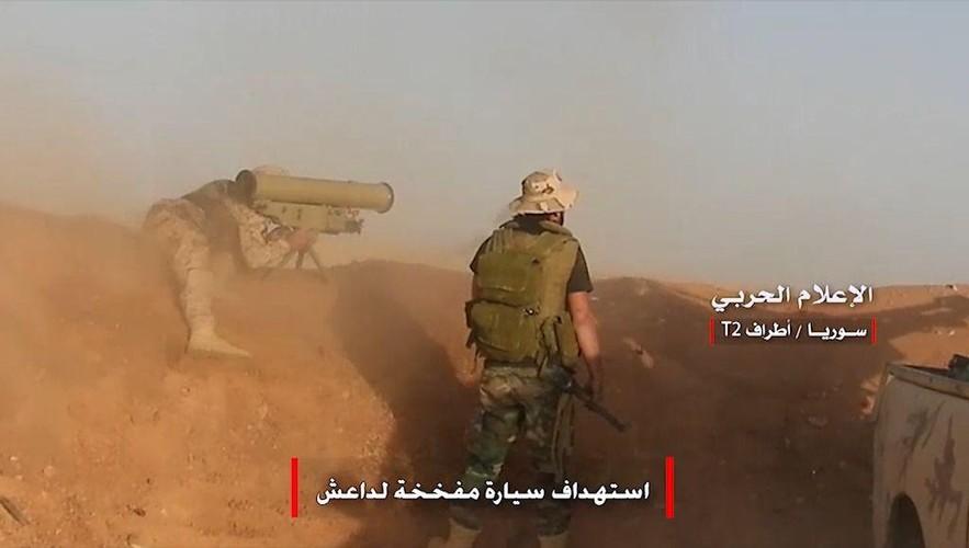 Anh: Tan cong du doi, Quan doi Syria quyet danh chiem tram T-2-Hinh-5