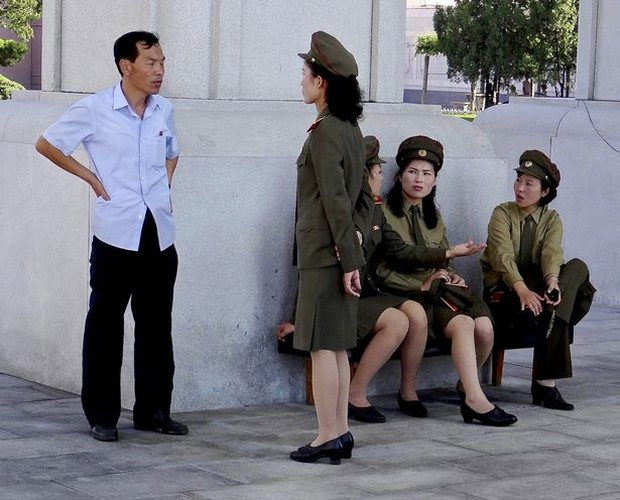 He lo cuoc song it ai ngo cua binh si Trieu Tien-Hinh-12