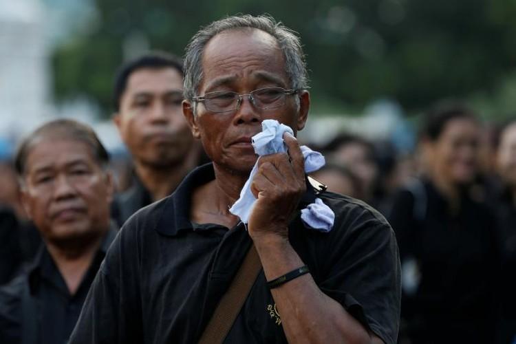 Hinh anh xuc dong trong ngay hoa tang co Quoc vuong Bhumibol-Hinh-11