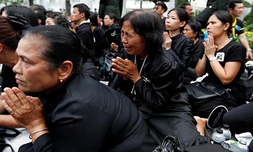 Hinh anh xuc dong trong ngay hoa tang co Quoc vuong Bhumibol-Hinh-2