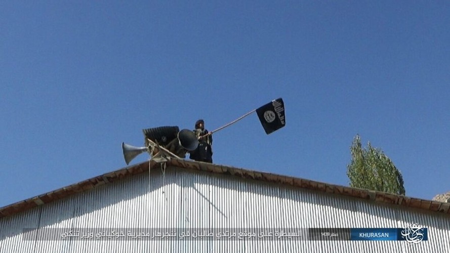 Anh: Tranh gianh dia ban, IS quyet dau voi Taliban tai Afghanistan-Hinh-12