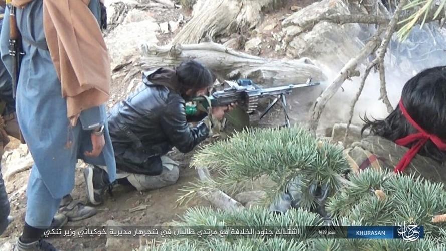 Anh: Tranh gianh dia ban, IS quyet dau voi Taliban tai Afghanistan-Hinh-3