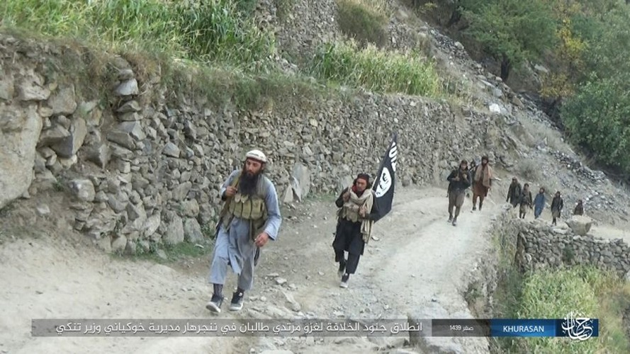 Anh: Tranh gianh dia ban, IS quyet dau voi Taliban tai Afghanistan-Hinh-9