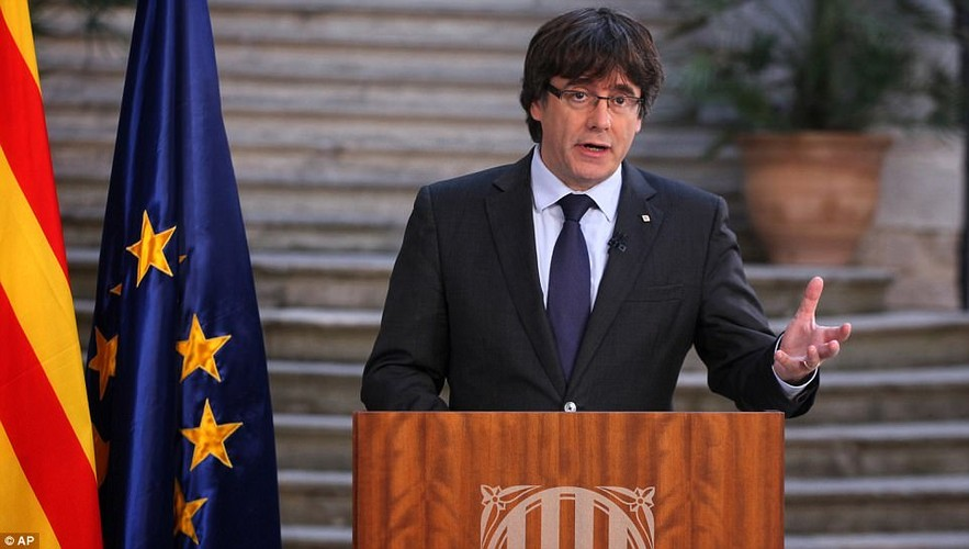 Bien nguoi tuan hanh phan doi Catalonia don phuong tuyen bo doc lap-Hinh-10