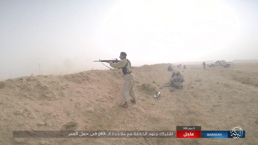 Anh: IS phan cong SDF o mo dau lon nhat Syria-Hinh-12