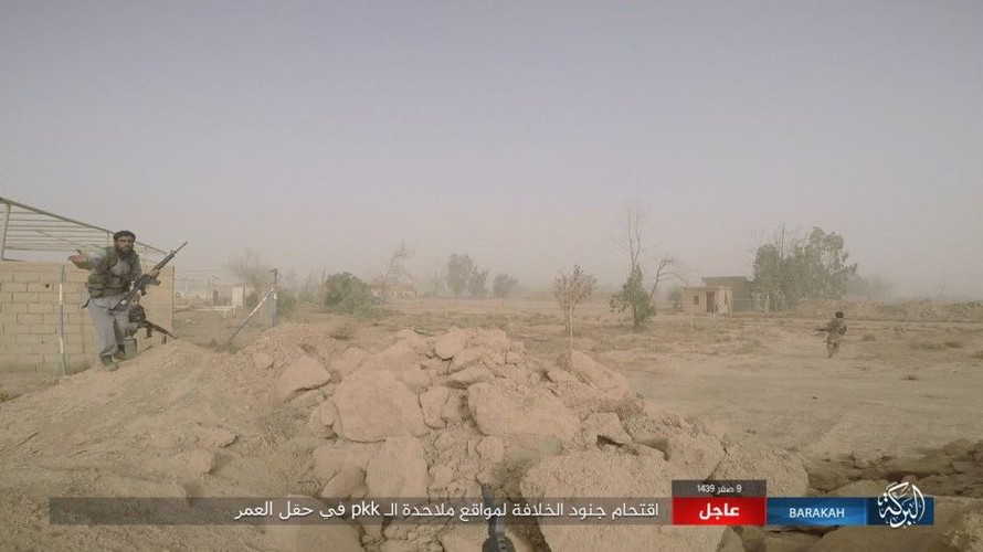 Anh: IS phan cong SDF o mo dau lon nhat Syria-Hinh-13