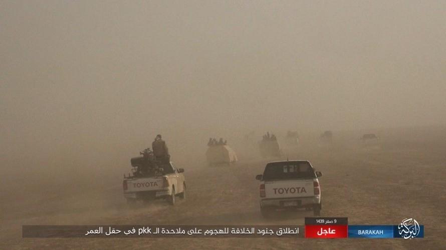 Anh: IS phan cong SDF o mo dau lon nhat Syria-Hinh-3