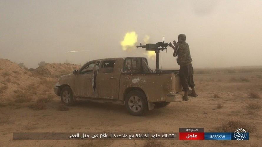 Anh: IS phan cong SDF o mo dau lon nhat Syria-Hinh-5