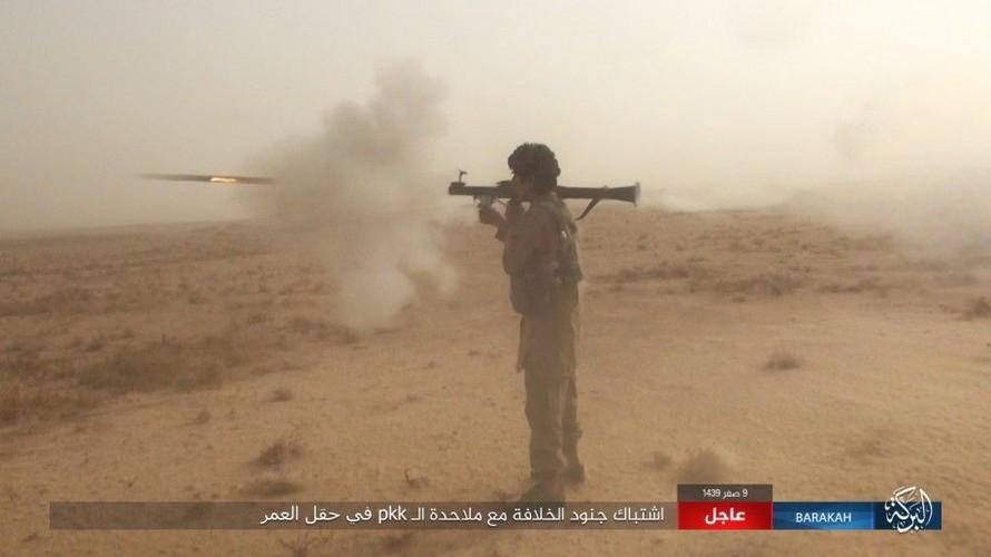 Anh: IS phan cong SDF o mo dau lon nhat Syria-Hinh-6