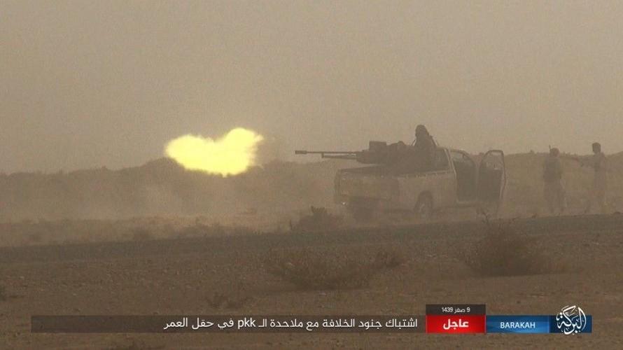 Anh: IS phan cong SDF o mo dau lon nhat Syria-Hinh-7