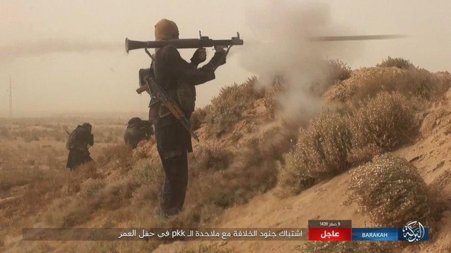 Anh: IS phan cong SDF o mo dau lon nhat Syria-Hinh-8