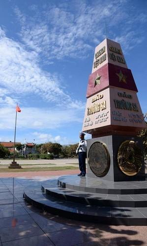 Ngo ngang co mot Truong Sa trong long Ha Noi-Hinh-4