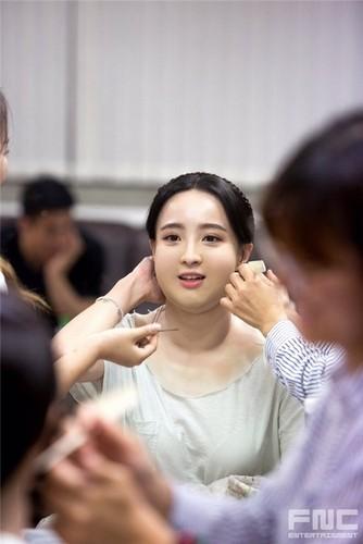 Can canh man ho bien my nu thanh nang beo trong phim Han-Hinh-3