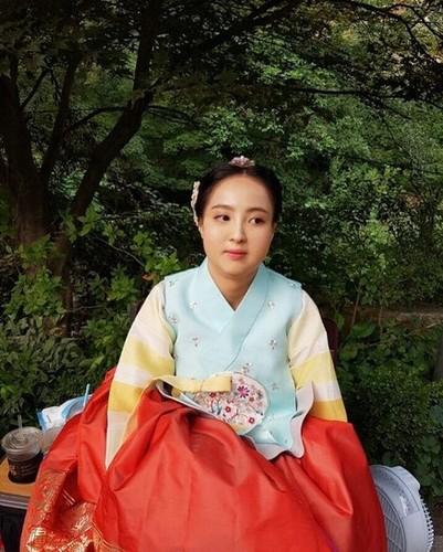 Can canh man ho bien my nu thanh nang beo trong phim Han-Hinh-7