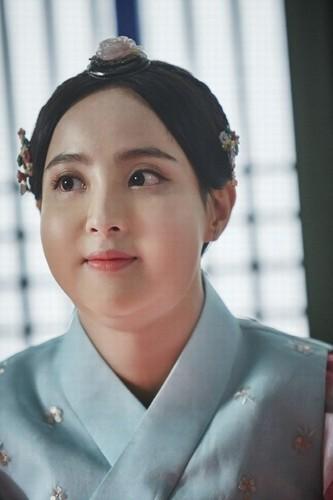 Can canh man ho bien my nu thanh nang beo trong phim Han-Hinh-8