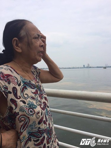 Ca chet o Ho Tay Nha hang dong cua, dan tim cach so tan-Hinh-4