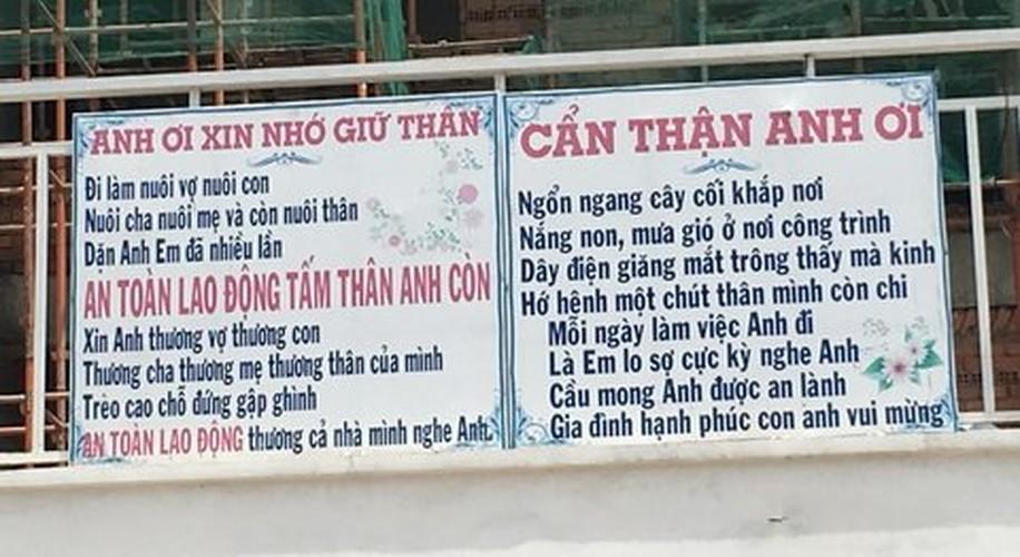 Dan mang soc voi bai tho trong toilet nam-Hinh-2